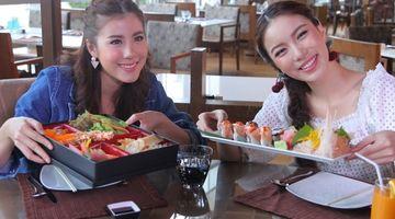 หยุดกินไม่ได้!!  มุก-เอสเธอร์ ติดใจบุฟเฟต์อาหารญี่ปุ่น