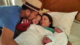 สิงโต นำโชค เห่อลูกชายฝาแฝด ถ่ายทอดสดผ่าน Facebook Mention สุขสันต์ทั้งครอบครัว (มีคลิป)