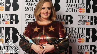 ร่วมด้วย! Adele กล่าวสนับสนุน Kesha ในงาน Brit Awards 2016