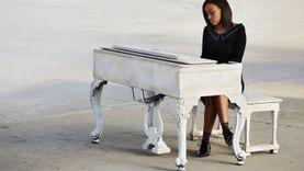 เรียบร้อยโรงเรียน SONY MUSIC! กับ RUTH B สาวน้อยเสียงเท่จากแคนาดา พร้อม EP แนะนำตัว the intro