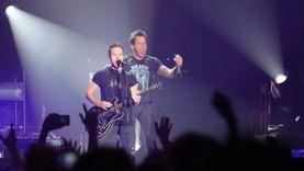 มันส์สุดพลัง!! Simple Plan จัดเต็ม คอนเสิร์ตครั้งที่ 3 ในไทยของ !! Taking One for the Team