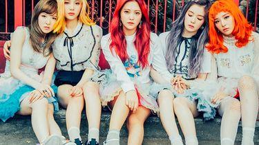 เกิร์ลกรุ๊ปหัวแถววงการเคป็อป Red Velvet ตบเท้าขึ้นโชว์ฟูลทีมบนเวที Feoh Presents 2017 BANGKOK SUPER LIVE