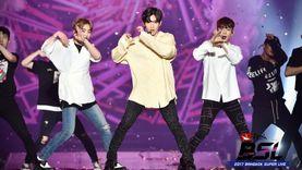 เฉิน-แบค-ซิ่ว แห่ง EXO-C.B.X นำทีม Red Velvet และ Romeo ปล่อยพลังสร้างความมันบนเวที เฟโอห์