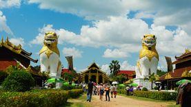 เที่ยวกาญจนบุรี  ย้อนกลับไปสมัยกรุงอโยธยา ที่ พร้อมมิตร ฟิล์ม สตูดิโอ