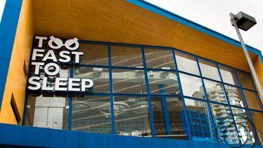 ร้าน Hangout 24 ชั่วโมง คอมมูนิตี้ สำหรับคนยุคใหม่ Start-Up Business