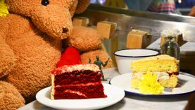 10 ร้านขนมหวาน ขนมเค้ก เบเกอรี่ ร้านกาแฟน่ารักๆ พาหวานใจไปชิลล์ รับวาเลนไทน์