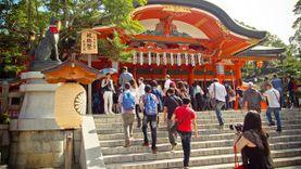 เที่ยวเกียวโต ชมเสาโทริอิเป็นหมื่นต้น ที่ศาลเจ้าฟุชิมิ อินาริ ไทฉะ Fushimi Inari Taisha