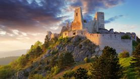 ตำนาน ผีดูดเลือด แห่งสโลวาเกีย Elizabeth Bathory แห่งปราสาท Čachtice Castle