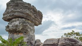 เดินเที่ยวลานหินงาม ประติมากรรมธรรมชาติที่น่าอัศจรรย์ อุทยานแห่งชาติป่าหินงาม ชัยภูมิ