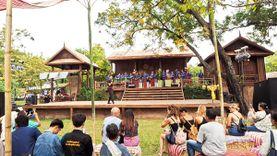 เที่ยวหมู่บ้านอีสาน ในงานเทศกาลเที่ยวเมืองไทย 2559 ช้อปผ้าพื้นเมือง ชิมอาหารอีสานแซ่บนัว