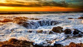 บ่อน้ำเทพเจ้า ธอร์ Thor's Well ประตูสู่โลกใต้ทะเล ที่โอเรกอน สหรัฐอเมริกา