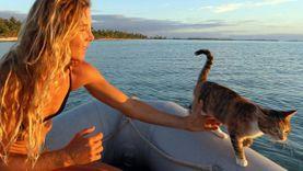 เมื่อ ผู้หญิง กับ แมวสามสี จับมือกันท่องทะเล เดินทางรอบโลก