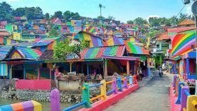 เปลี่ยนเมืองแออัดเป็นเมืองสีรุ้ง ที่ อินโดนีเซีย หมู่บ้าน Kampung Pelangi แหล่งถ่ายภาพสุดฮิตแห่งใหม่