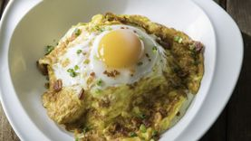 ชวนชิม ข้าวหน้าไข่พระอาทิตย์เบคอนกรอบ ที่คาเฟ่ แคนทารี บางแสน, กาดฝรั่ง, ปราจีนบุรี และ ระยอง