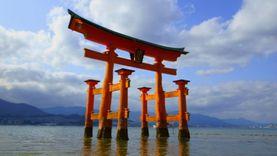 เสี่ยงถล่ม! เสาโทริอิ กลางน้ำ ที่ฮิโรชิม่า วอนนักท่องเที่ยวหยุดปักเหรียญบูชา