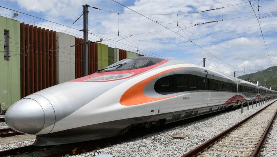 เปิดแล้ว! รถไฟความเร็วสูง เชื่อมเกาะฮ่องกงสู่จีนแผ่นดินใหญ่ ไปเซินเจิ้นแค่ 19 นาที!