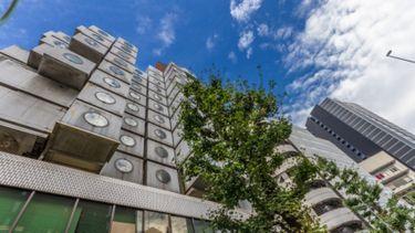 โรงแรมแคปซูล Nakagin Capsule Tower ที่พักสุดฮิตในโตเกียว อยากลองต้องจองเป็นเดือน