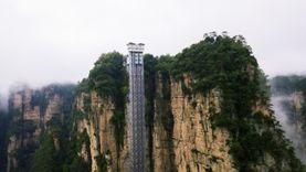 ลิฟต์แก้วมังกรขาว (ไป่หลง) ริมหน้าผาจางเจียเจี้ย แค่นาทีครึ่งก็ถึงยอด สูงและเร็วที่สุดในโลก!