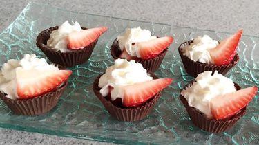 ส่วนผสม 3 อย่าง กับสตรอเบอร์รี่ในถ้วยช็อกโกแลต หน้าตาดูดี วิธีทำโดนใจ!