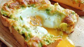 พิซซ่าไข่ชีสกับอโวคาโด อร่อยง่ายแถมผิวสวย