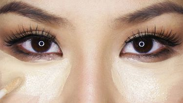 รวม how to แต่งหน้าปกปิดใต้ตาดำคล้ำ เปลี่ยนจากหน้าหมองให้เป็นหน้าใส ง่ายนิดเดียว!