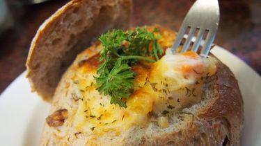 สูตรเด็ด! ทำขนมปังไส้มันฝรั่งอบชีส นุ่มๆ ยืดๆ อื้อหืออ ฟินเฟร่อ!