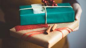 รวมไอเดียห่อของขวัญแบบคุมโทนรับวันคริสต์มาสและวันปีใหม่ ยิ้มทั้งผู้ให้ ถูกใจทั้งผู้รับ!