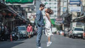 เมื่อความรักไม่จำกัดส่วนสูง! สตรีทพรีเวดดิ้งของสาวน้อยร่างเล็กกับหนุ่มออสซี่ตัวสู๊งสูง!