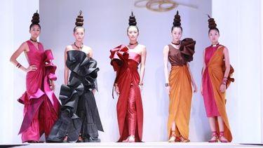 ททท. จัดนิทรรศการและแฟชั่นโชว์ เส้นทางผ้าไทย เส้นใยแห่งภูมิปัญญา เทิดไท้องค์ราชินี